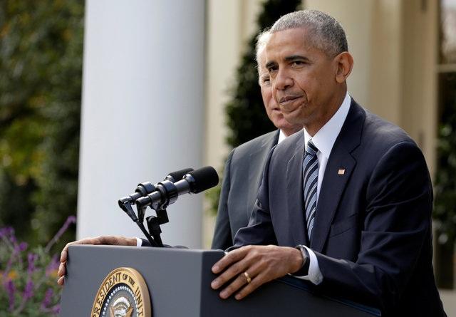 Trong bài phát biểu, ông Obama đã kêu gọi nước Mỹ đoàn kết để ủng hộ ông Donald Trump làm tổng thống tiếp theo. Ông cũng cho biết đã gọi điện chúc mừng người kế nhiệm tương lai và mời ông Trump tới Nhà Trắng vào ngày 10/11 để bàn việc chuyển giao quyền lực. (Ảnh: Reuters)