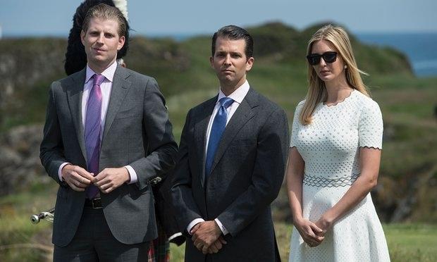 (Từ trái sang phải) Ba người con lớn của ông Trump: Donald Jr, Eric và Ivanka (Ảnh: AFP)