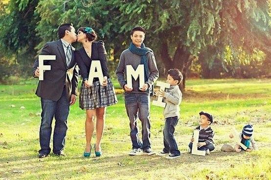 Một gợi ý về bức ảnh của gia đình có từ 5 thành viên trở lên.