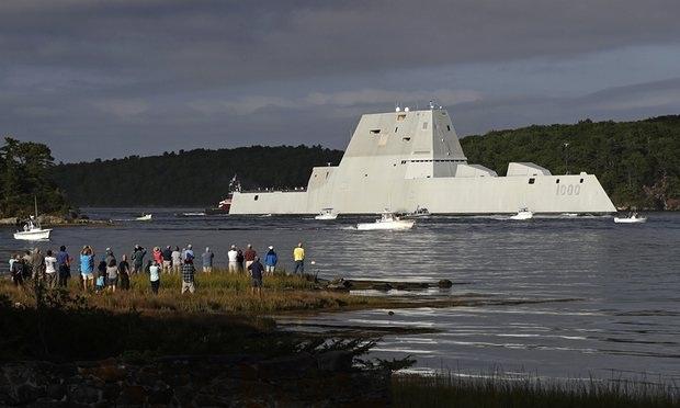 Tàu khu trục USS Zumwalt (Ảnh: AP)