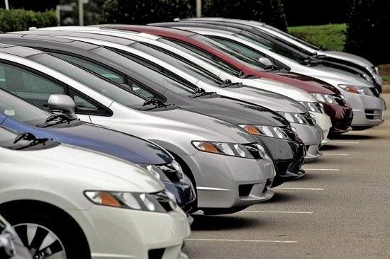 Càng về cuối năm, giá nhiều mẫu xe càng giảm mạnh.
