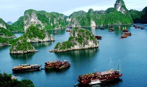 Nỗi lo di sản thế giới hậu vinh danh ảnh 1 Vịnh Hạ Long- di sản thế giới từng 4 lần bị UNESCO khuyến cáo và đề nghị giải trình về công tác quản lý, bảo tồn.