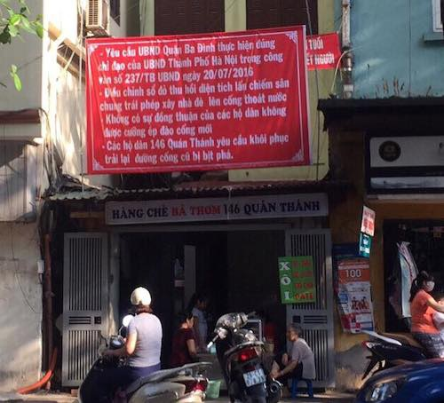 Người dân tại nhà 146 Quán yêu cầu UBND quận Ba Đình thực hiện đúng chỉ đạo của UBND TP Hà Nội.