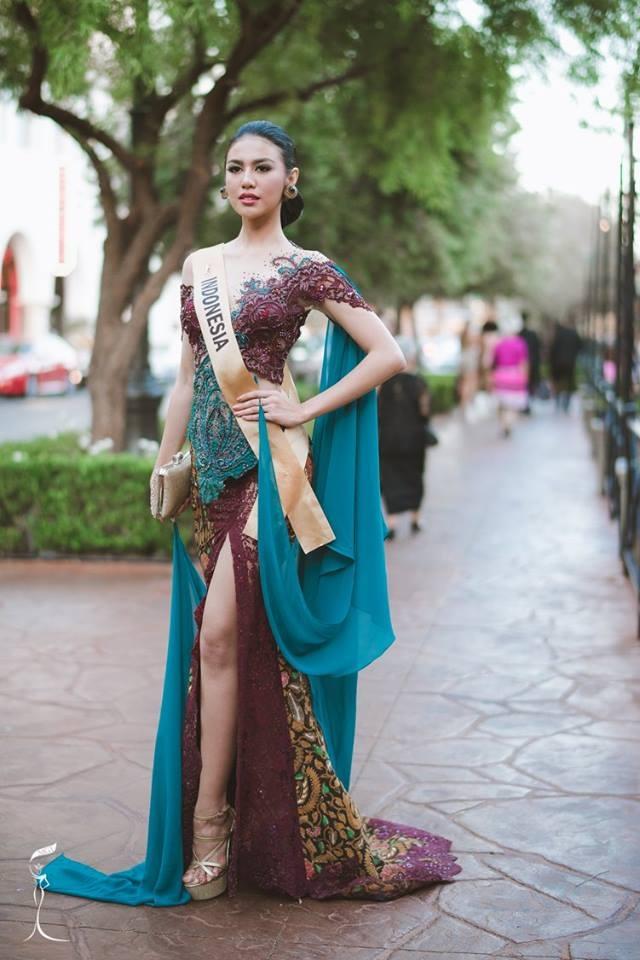 Nguyễn Thị Loan duyên dáng với áo dài trong gala gây quỹ từ thiện - 20