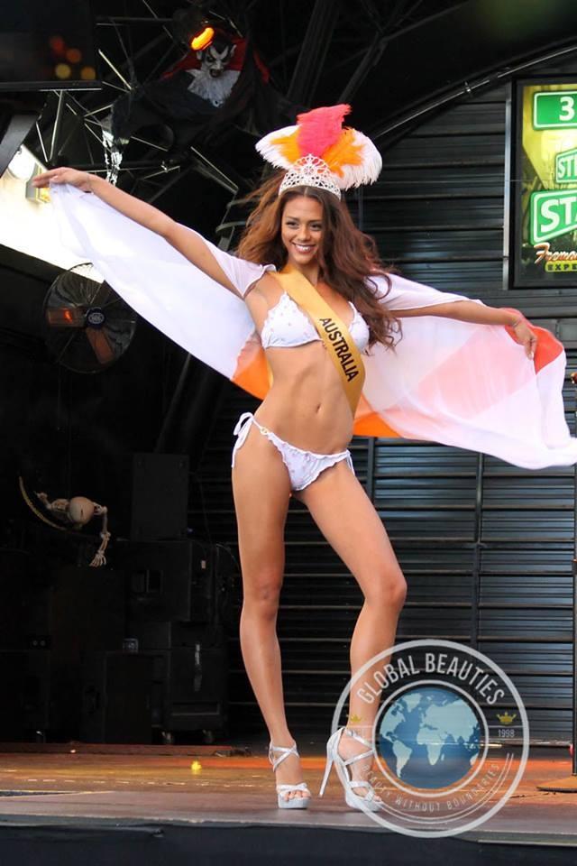 Người đẹp Hoa hậu hòa bình thế giới 2016 rực rỡ sắc màu quốc phục - 33