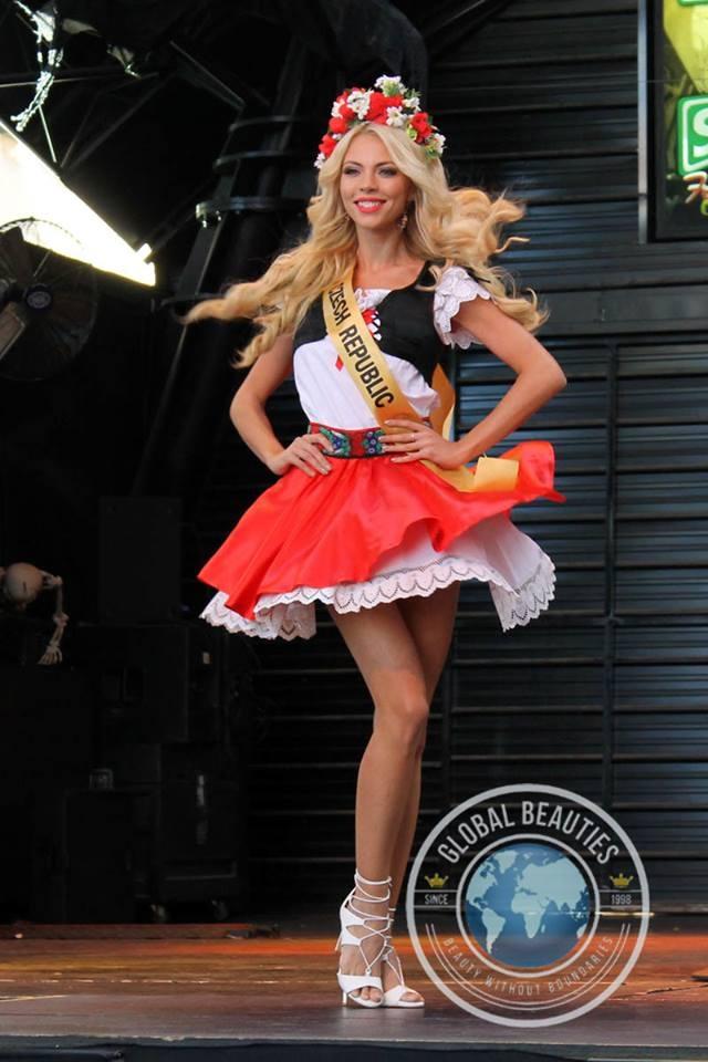 Người đẹp Hoa hậu hòa bình thế giới 2016 rực rỡ sắc màu quốc phục - 41