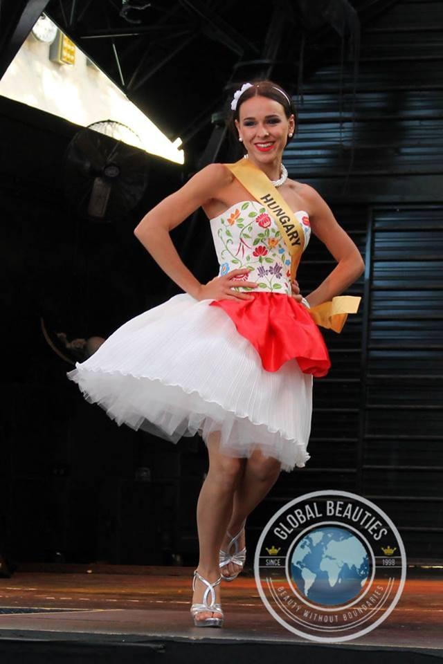 Người đẹp Hoa hậu hòa bình thế giới 2016 rực rỡ sắc màu quốc phục - 56