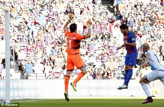 Luis Suarez để lại dấu ấn với một bàn thắng