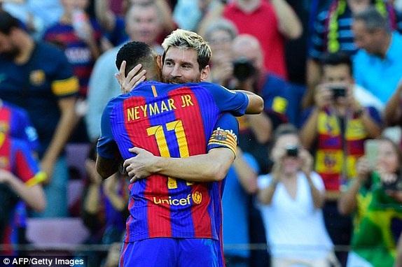 Messi tái xuất và ghi bàn sau một thời gian dài nghỉ thi đấu do chấn thương