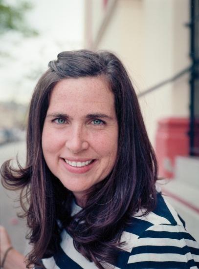Stephanie Hannon, 42 tuổi, hiện là giám đốc quản lý công nghệ cho chiến dịch tranh cử của bà Clinton, người phụ nữ đầu tiên nắm giữ vị trí này trong một chiến dịch tranh cử lớn. Trước đó, bà Hannon là giám đốc quản lý sản phẩm về sáng tạo dân sự và ảnh hưởng xã hội của Google. (Ảnh: Fortune)