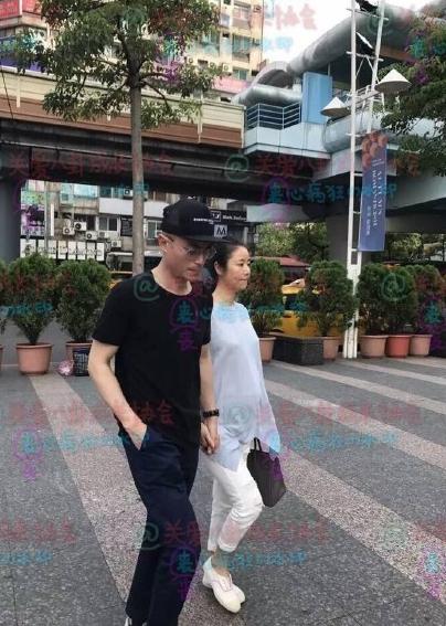 Hình ảnh chung đôi của Hoắc Kiến Hoa và Lâm Tâm Như sau đám cưới trở nên hiếm hoi trên các phương tiện truyền thông. Trước những tin đồn quanh cuộc hôn nhân của mình, nam diễn viên họ Hoắc khẳng định Tôi không quan tâm.