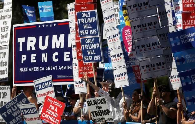 Những người ủng hộ Trump và Clinton tại Las Vegas (Ảnh: Reuters)