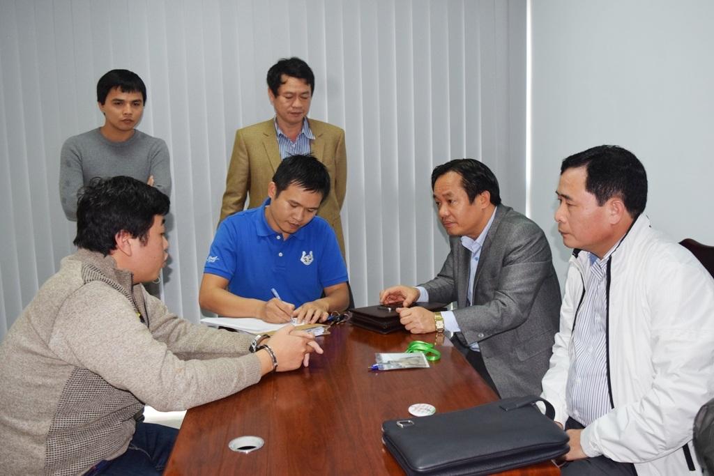 Việc lấy lời khai đối tượng đang được ráo riết tiến hành (ảnh: Công an tỉnh Thừa Thiên Huế cung cấp)