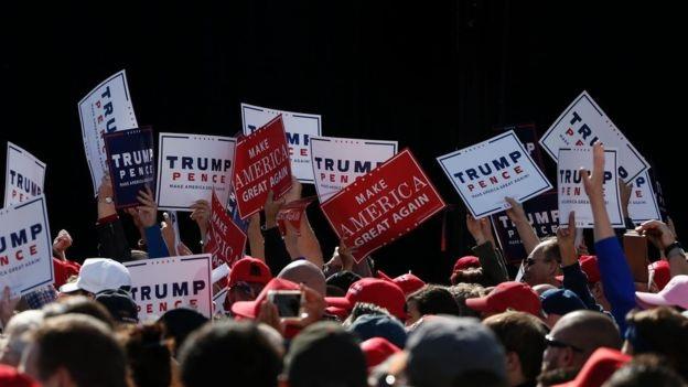 Những người ủng hộ ông Trump trong một cuộc vận động tranh cử (Ảnh: Getty)