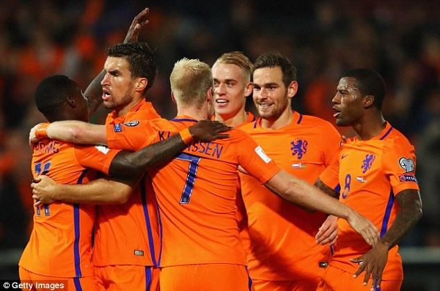 Hà Lan đã tỏ lại với cuộc đua giành vé dự World Cup 2018