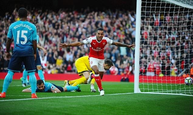 Walcott lại tỏa sáng trong màu áo của Arsenal