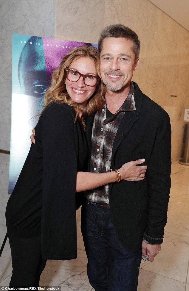 Đây là lần đầu tiên nam diễn viên 52 tuổi xuất hiện trước công chúng và báo giới kể từ khi Angelina Jolie đệ đơn ly dị anh vào tháng 9/2016.