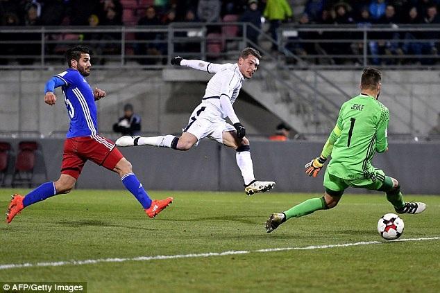 Belotti tỏa sáng trong chiến thắng của Italia