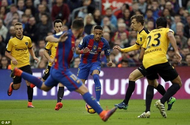 Barcelona đã không thể ghi bàn dù được chơi hơn người