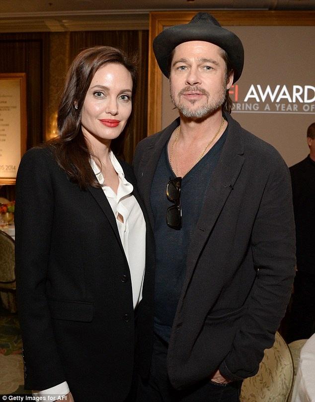 Angelina Jolie đệ đơn ly dị Brad Pitt vào tháng 9/2016 sau 10 năm bên nhau.