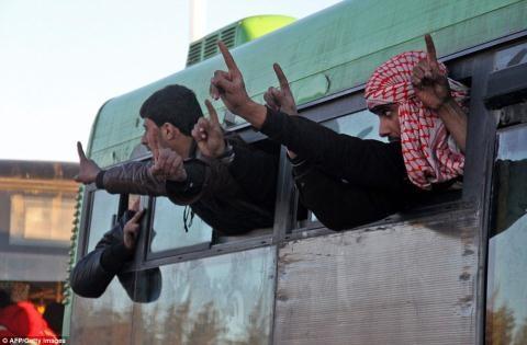 Nửa vạn phiến quân rời Aleppo cùng tuyên bố của Putin - 5