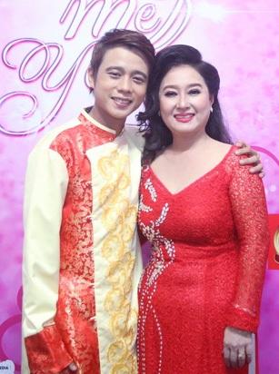 NSND Hồng Vân, NSƯT Kim Xuân, ca sỹ Siu Black... lần đầu tiên hát cùng con trai - 6