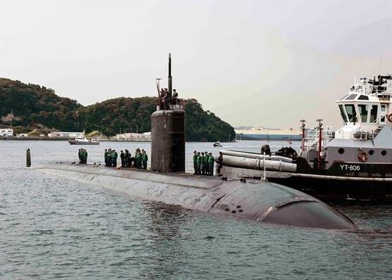 Tàu ngầm USS Columbia cập cảng tại Nhật Bản (Ảnh: Hải quân Mỹ)