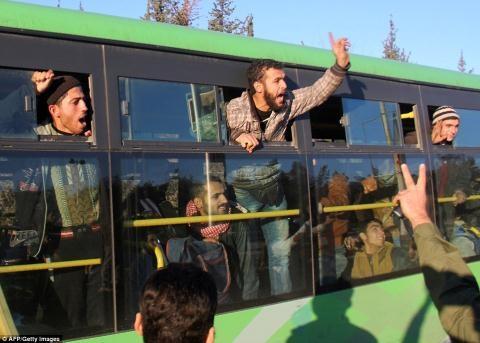 Nửa vạn phiến quân rời Aleppo cùng tuyên bố của Putin - 9