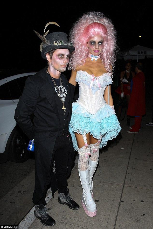 Không thể nhận ra ca nhạc sỹ Matt Bellamy và bạn gái Elle Evans