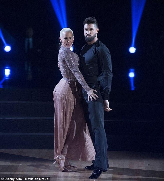 Amber Rose đẹp đôi bên Val Chmerkovskiy trên sàn nhảy
