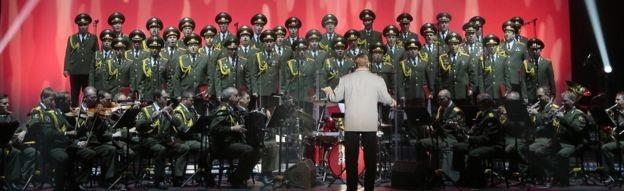 Hầu hết các thành viên của đoàn ca nhạc quân đội Alexandrov Ensemble đã có mặt trên máy bay (Ảnh: Reuters)