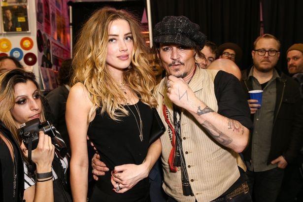 Johnny Depp và vợ ngày còn hạnh phúc