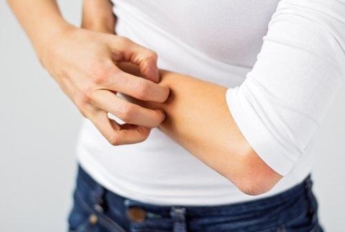 9 dấu hiệu cảnh báo gan bị nhiễm độc - 2