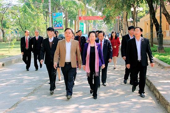 Chủ tịch Hội Khuyến học Việt Nam Nguyễn Thị Doan thăm và làm việc tại Sơn La (ảnh báo Sơn La)