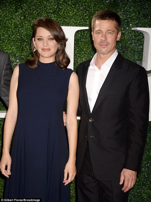 Brad Pitt cùng đồng nghiệp Marion Cotillard dự công chiếu phim mới Allied tại Mỹ ngày 10/11 vừa qua