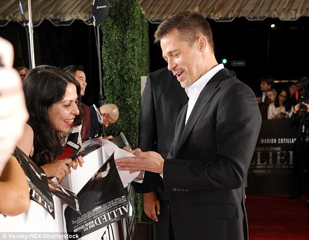 Có quá nhiều những lời đồn đại về lý do khiến cặp đôi vàng nói lời chia tay nhau trong đó có tin đồn Brad gây gổ với con nuôi Maddox trong 1 chuyến bay khiến Jolie tức giận và quyết đâm đơn xin ly dị
