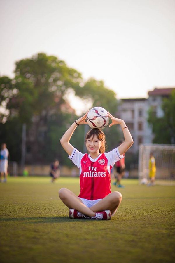 Nữ sinh của Viện dệt may da giầy và thời trang Lê Thị Phương có khả năng vẽ, đàn guitar, đọc sách và đam mê nhiếp ảnh nghệ thuật