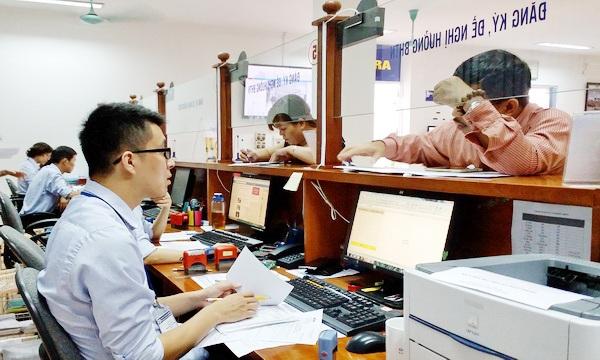 Người lao động đăng ký BHTN tại Hà Nội