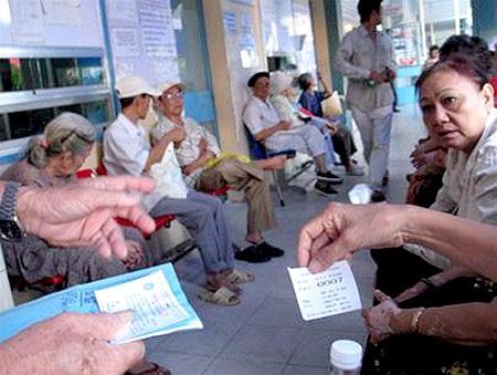 BHXH VN: 6 tỉnh bội chi quỹ BHYT trên 200 tỉ đồng sau 9 tháng qua - 1