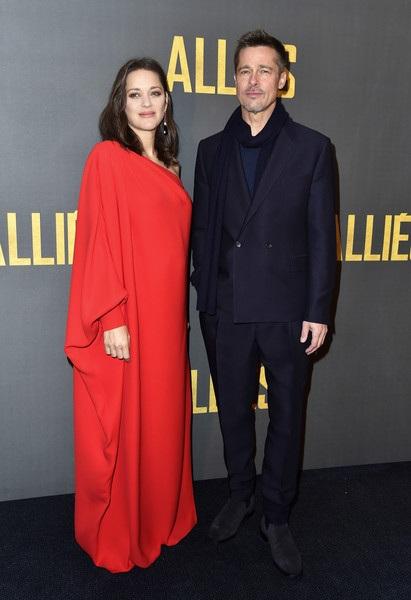 Brad Pitt và bạn diễn cùng trong phim Marion Cotillard - người đã dính tin đồn phim giả tình thật với anh