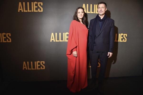 Minh tinh 41 tuổi người Pháp cũng hết lời khen ngợi bạn diễn điển trai vì khả năng diễn xuất tuyệt vời và phong thái làm việc chuyên nghiệp