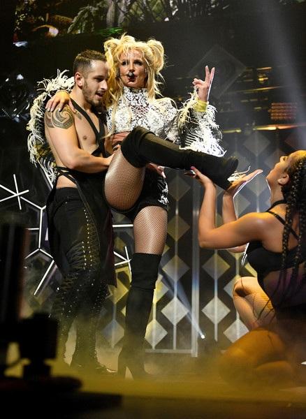 Britney dồn nhiều tâm sức cho việc quảng bá album mới Glory