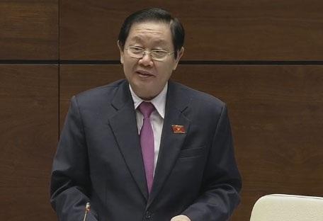 Bộ trưởng Nội vụ Lê Vĩnh Tân bắt đầu phiên trả lời chất vấn.
