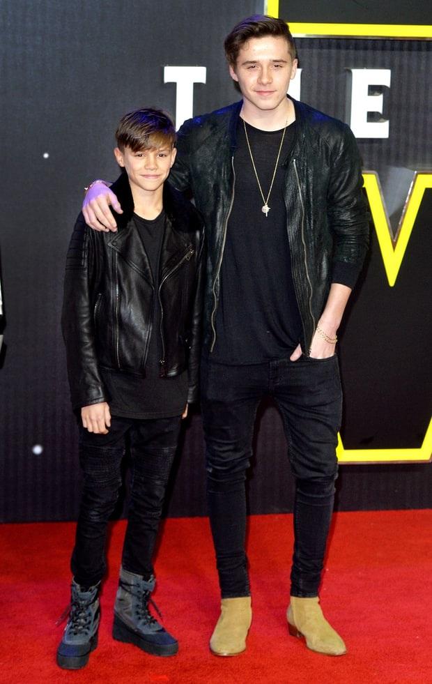 Không còn phải nói nhiều Brooklyn và Romeo Beckham - hai con của David - Victoria đều là những cậu chàng nổi tiếng hiện nay. Brooklyn đã được lên bìa tạp chí Teen Vogue còn Romeo quảng cáo cho nhãn hiệu Burberry