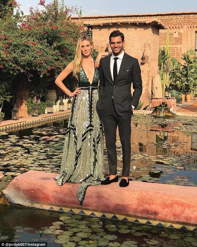 Selby Drummond - BTV tạp chí Vogue diện váy hiệu Altuzarra dự tiệc