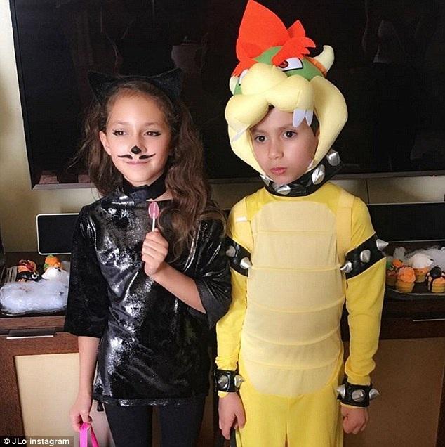 Hai nhóc sinh đôi rất dễ thương của Jennifer Lopez