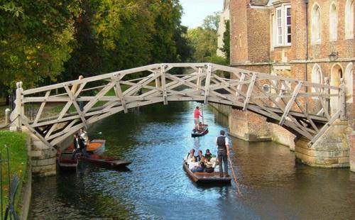 """""""Cây cầu Toán học"""" tại ĐH Cambridge"""