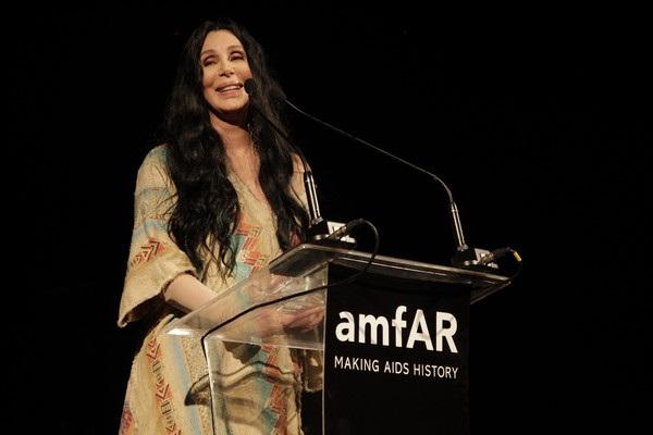 Hình ảnh xinh đẹp và trẻ trung của Cher trong mỗi lần bà xuất hiện thật sự khiến khán giả phải ngưỡng mộ