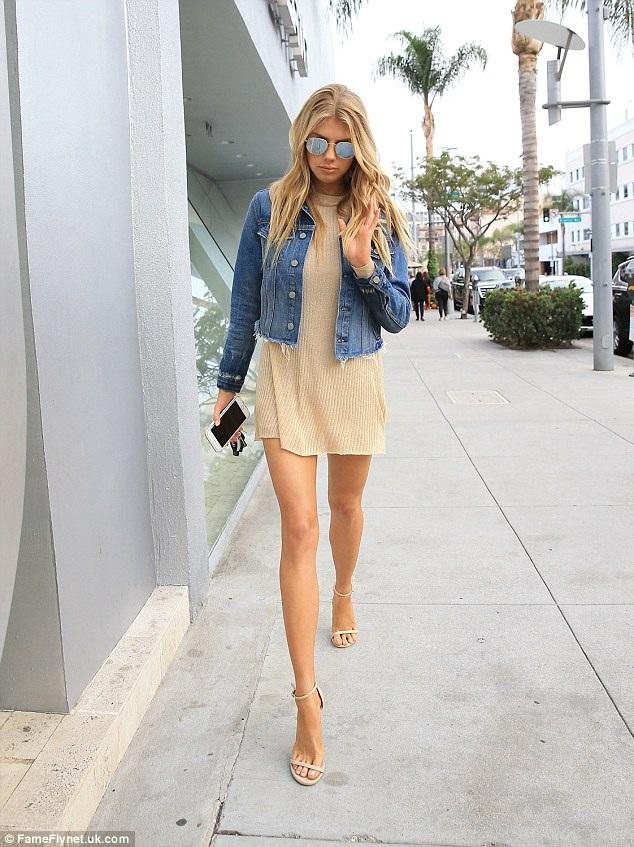 Người đẹp tóc vàng cao 1,71m từng mơ ước thành siêu mẫu nhưng không thành vì chiều cao hạn chế