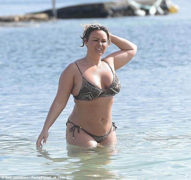 Tuy nhiên từ sau khi lên chức mẹ vào năm 2010, Chanelle Hayes sa sút phong độ, tăng cân mất kiểm soát